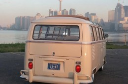 1967 VW Bus Ontario license licence YOM plates