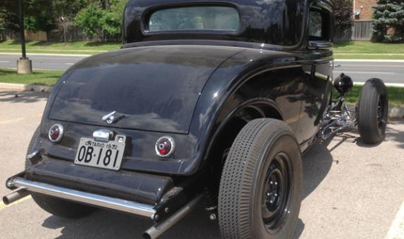 Ontario 1932 Ford YOM license plates